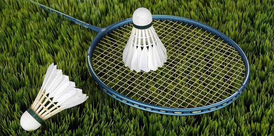 badminton-shuttle-sport-bat